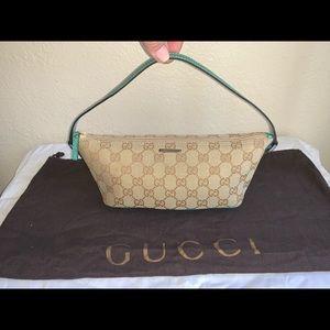 Authentic Gucci signature baguette pochette clutch